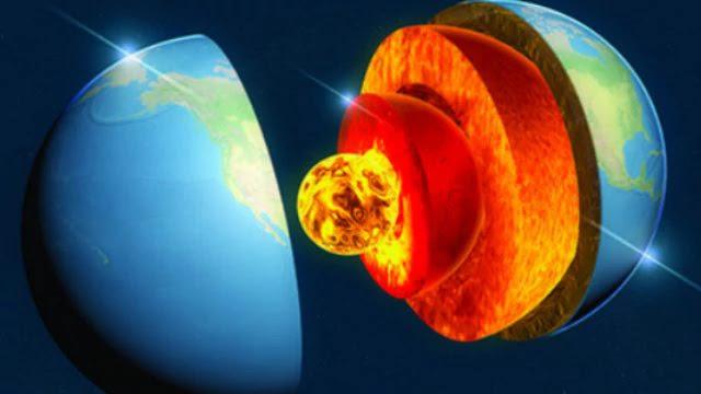 El interior de la Tierra está justo debajo de nosotros. Sin embargo, el acceso directo a él continúa siendo muy limitado. Los sondeos realizados con la perforación de la corteza en la búsqueda de petróleo, gas y otros recursos naturales sólo alcanzan los últimos 7 kilómetros, una minúscula fracción del radio de la Tierra, que comprende 6.370 kilómetros.
