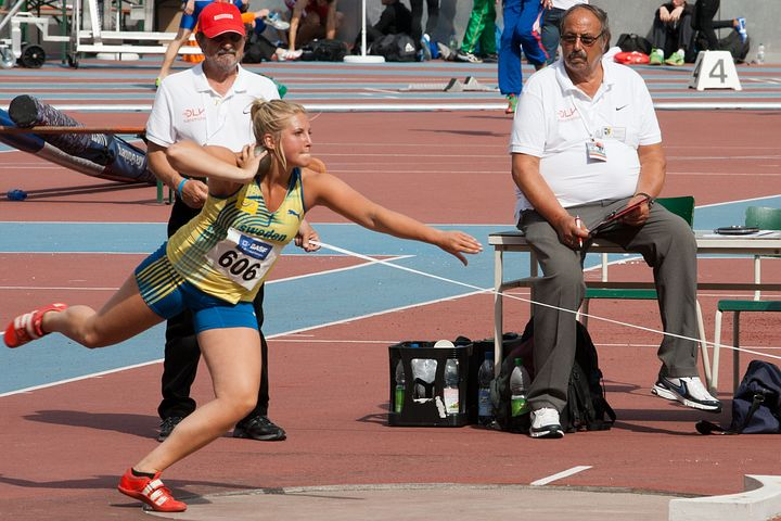 What are the rules of hollow and shot put? (What are the rules of Khokho and Shot Put game?) Explain it in detail