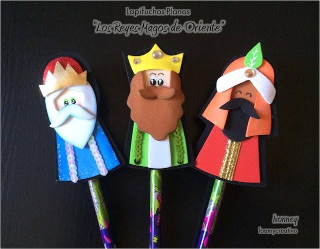 Adorno navideño en foami, reyes magos