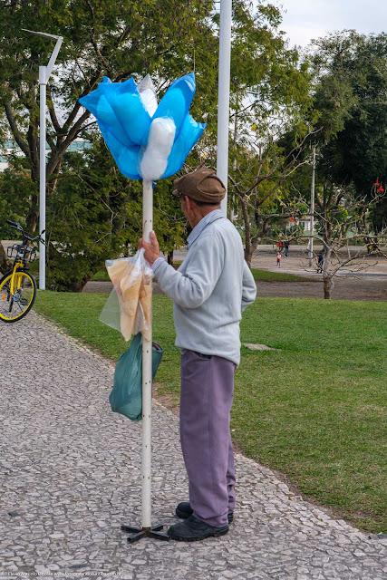 Vendedor ambulante de algodão doce
