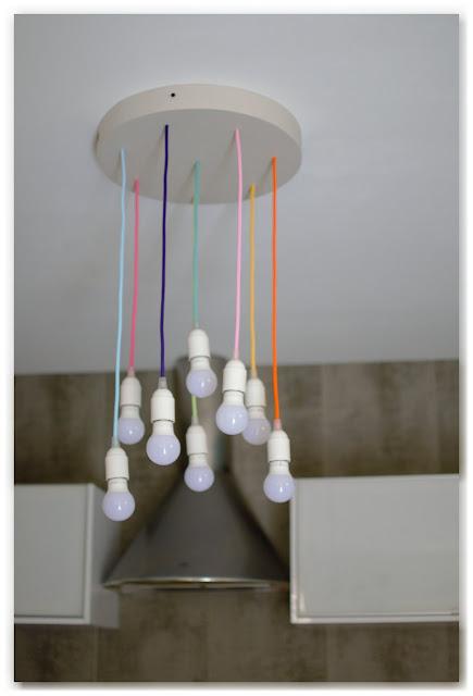 Lustre multicolore DIY à moins de 65 euros