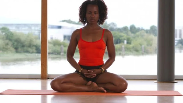 How to Practice Breath of Fire Yoga and What are the Benefits and Precautions of it ? -MergeZone