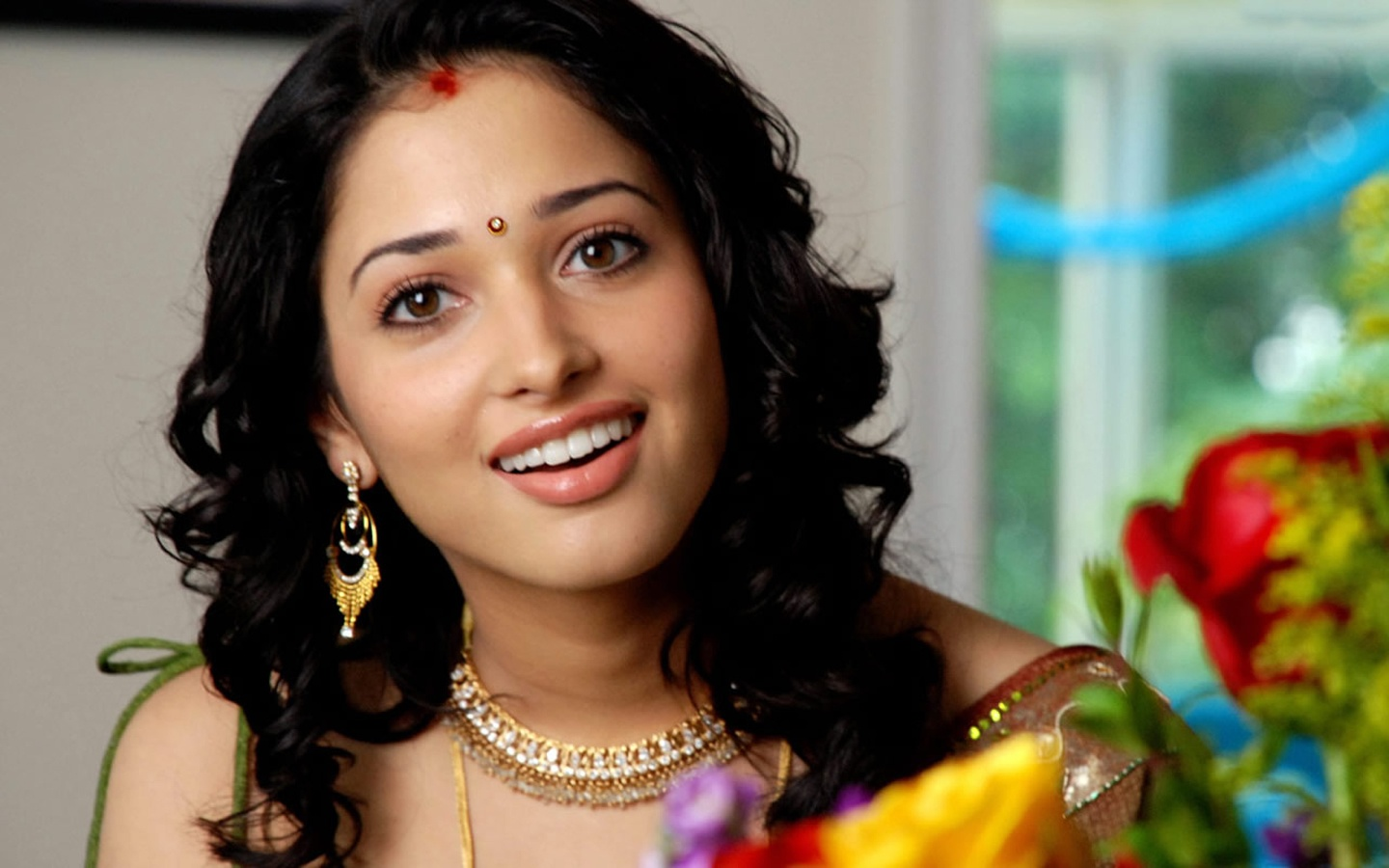 Tamanna Hd Saree Wallpaper: Free Wallpapers For PC