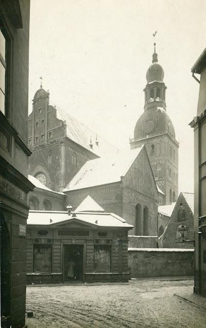 1900-е (?) годы. Рига. Домская площадь (W. Mellin)