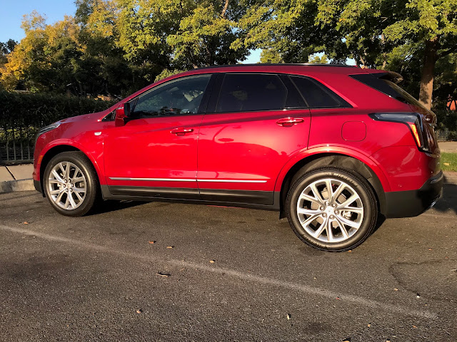 Side view of 2020 Cadillac XT5 Sport AWD