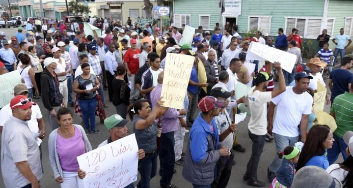 Agricultores de Valle Nuevo desafían a autoridades y piden la libertad de cinco detenidos Dicen que volverán a sembrar
