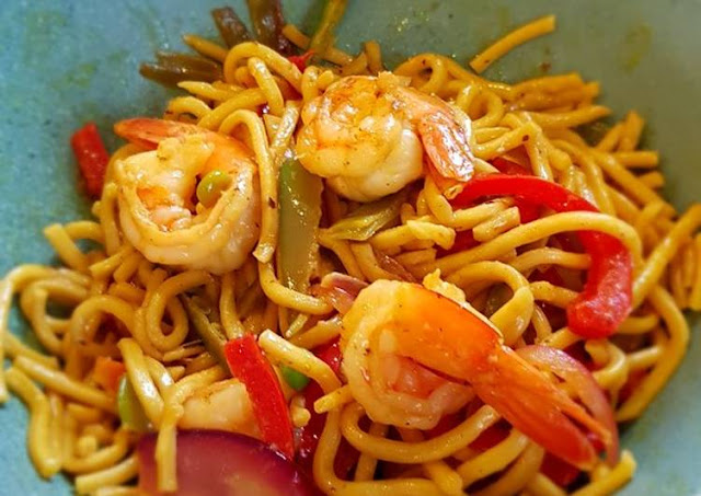 Coconut Oil with Shrimp and Noodles - 1