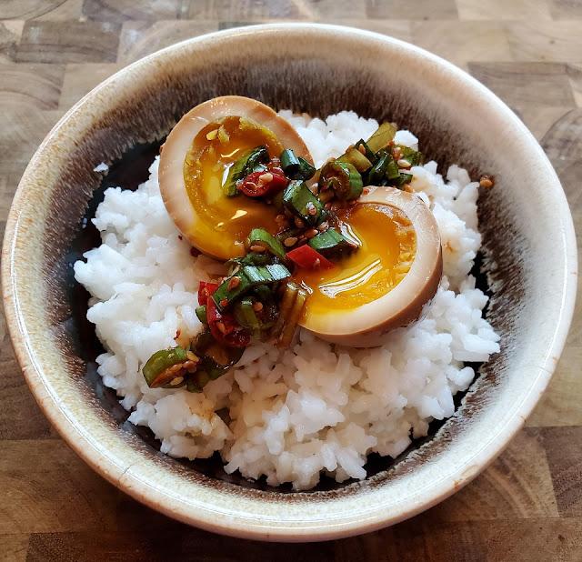 """Trứng này có một khả năng """"thần sầu"""" là cực kì... đưa cơm"""
