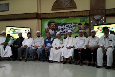 """1,3 Juta Orang akan Ikut Tamasya Al Maidah, Amien Rais: """"Kami Nggak Bawa Celurit!"""""""