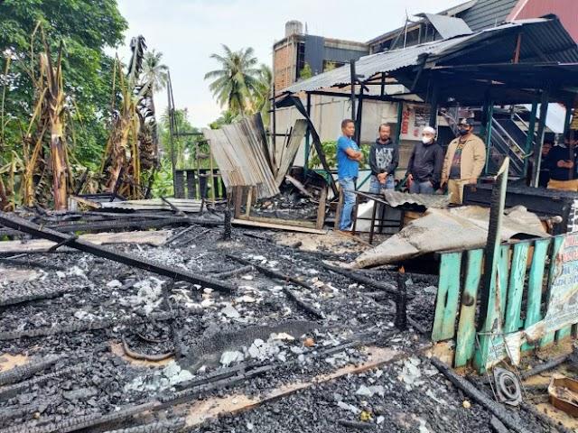 Kebakaran di Kota Jambi Hanguskan Dua Kios Non Permanen
