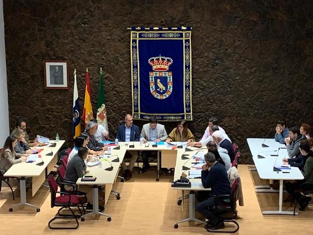 Pleno%2BP%25C3%25A1jara - Fuerteventura.-Pájara solicitará al Estado usar parte del superávit para ayudar al tejido empresarial a mantener el empleo