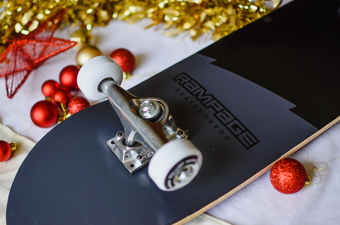 outdoorsy family gift guide, Rampage skateboard