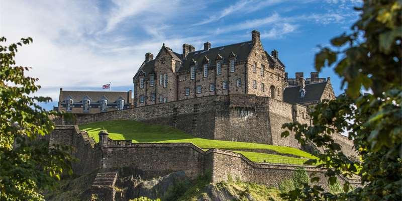 Edinburgh Castle (Scotland) - Moniedism