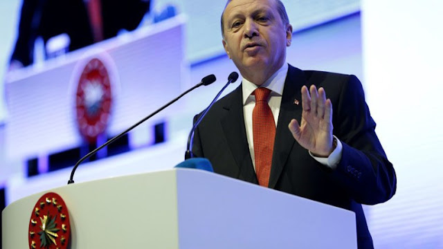 Tελεσίγραφο Ερντογάν στους Αμερικανούς: Διαλέξτε, εμάς ή τους Κούρδους;