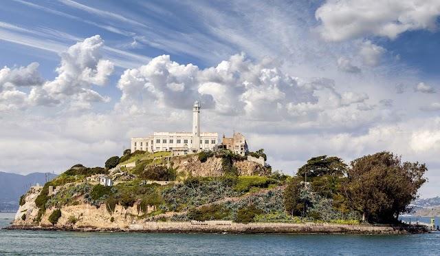 HISTORIC LANDMARK: Alcatraz Island, San Francisco Bay, California, USA