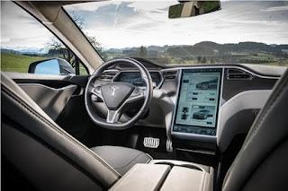 Así se acerca Tesla al futuro de la reparación de vehículos