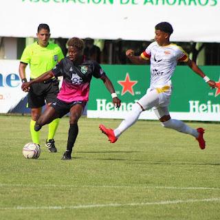Liga Dominicana de fútbol  Cuatro equipos mantienen invicto en LDF