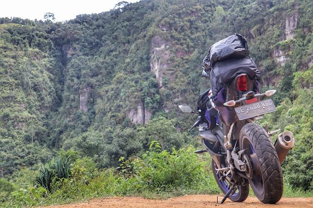 Touring Jarak Jauh Sendirian Pakai Motor Yamahan R15