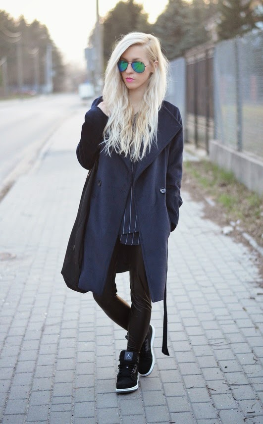 LONG BELTED OVERSIZE COAT, VERTICAL STRIPED BLOUSE, ANIA KUCZYŃSKA SHANGHAI BAG & JORDANS