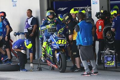 Rossi Pusing, M1 Belum Cocok dengan Ban Michelin