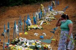 Brasil registra novo recorde de mortes pela Covid em 24h: 1.972 óbitos