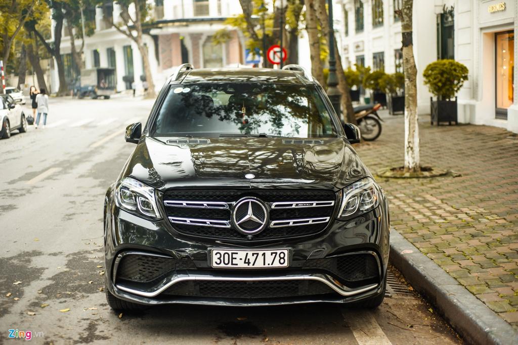 Mercedes-AMG GLS 63 4MATIC hàng hiếm lăn bánh trên đường phố Hà Nội