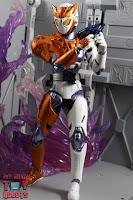 S.H. Figuarts Kamen Rider Valkyrie Rushing Cheetah 31S.H. Figuarts Kamen Rider Valkyrie Rushing Cheetah 32