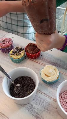 Kindergeburtstag für Mädchen Motto Cupcakes