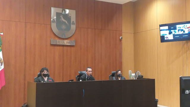 Tribunal 1o de enjuiciamiento del Poder Judicial del Estado, conformado por la jueza Fabiola Rodríguez Zurita, el juez Níger Desiderio Pool Cab y la jueza Nidia Guadalupe Celis Fuentes. (imagen de archivo)
