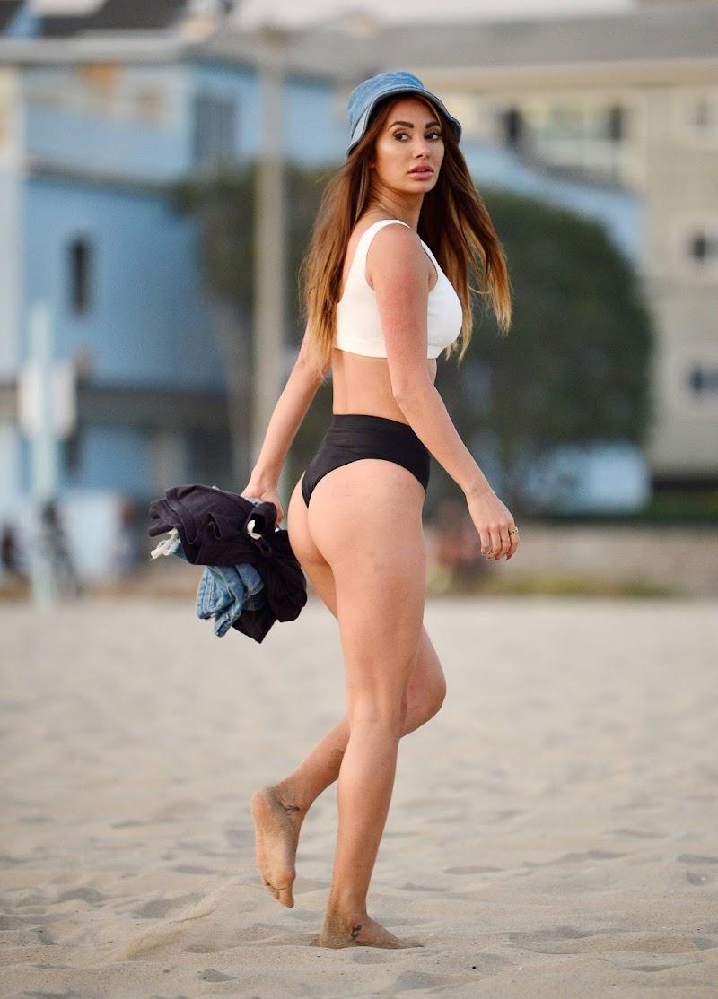 Francesca Farago in Bikini At  Venice Beach 2 Sep -2020
