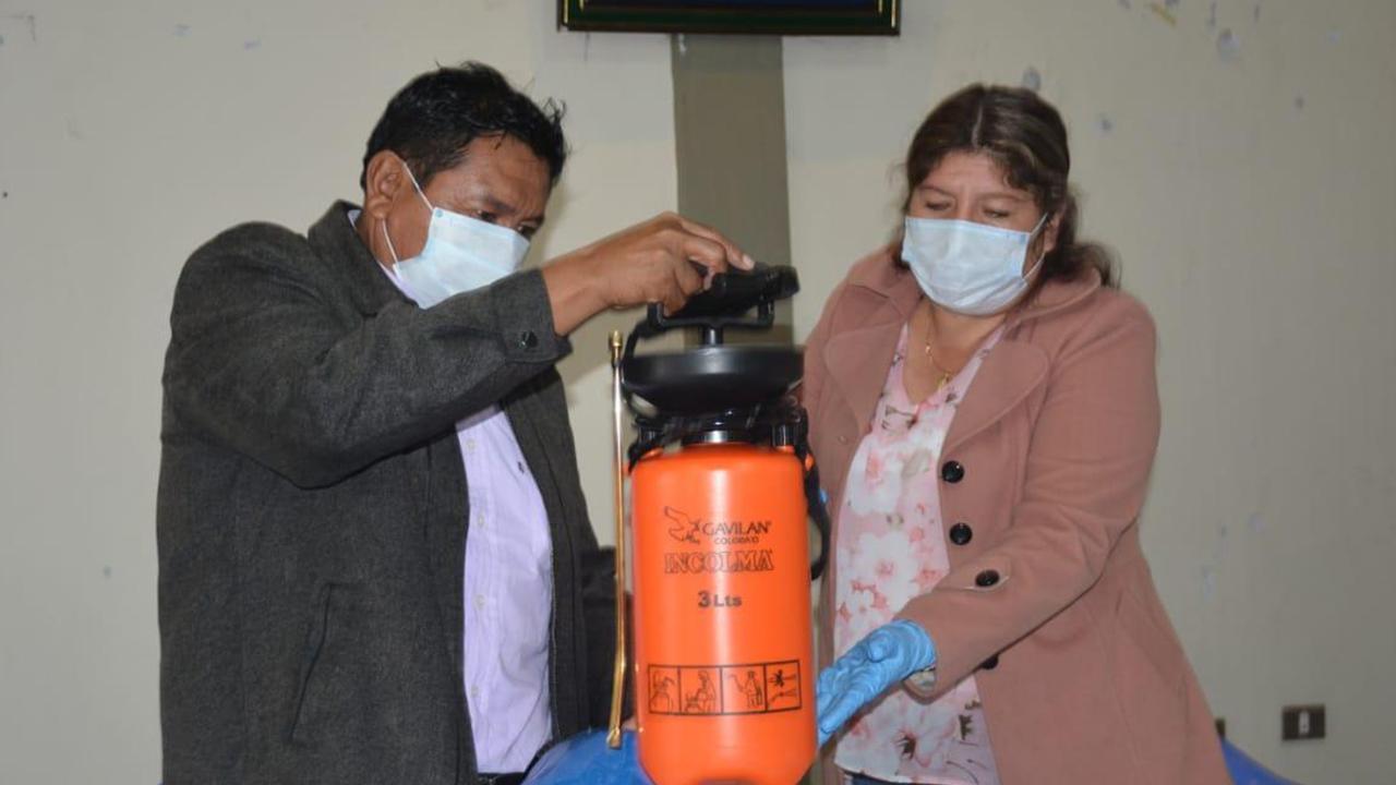 Rojas en un último acto público acompañando a la gobernadora de Cochabamba / OPINION ARCHIVO