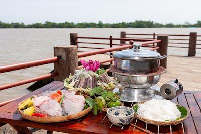 Món lẩu trái bần đặc trưng tại Nông trại Hải Vân - Sân Chim Vàm Hồ (ảnh: Nông trại Hải Vân - Sân Chim Vàm Hồ)