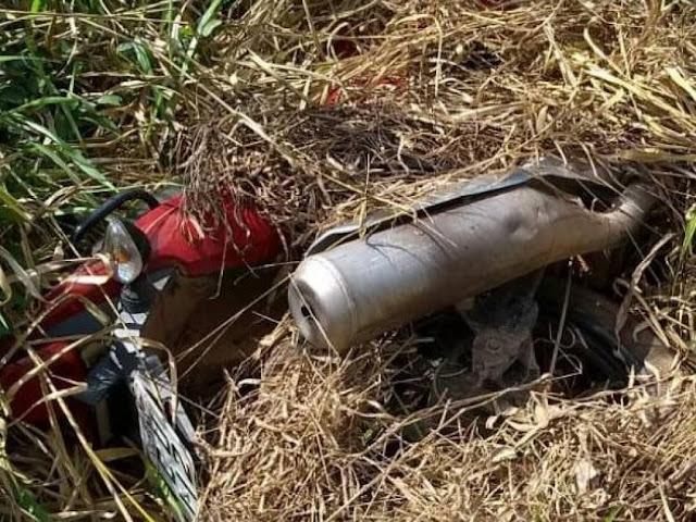 Dono de imóvel vai limpar quintal e encontra abandonada motocicleta que havia sido furtada um mês atrás