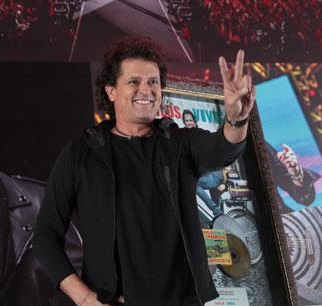 Carlos Vives (1961): Cantante y compositor colombiano