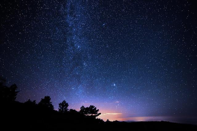 Polusi Cahaya dari Sudut Pandang Astronomi