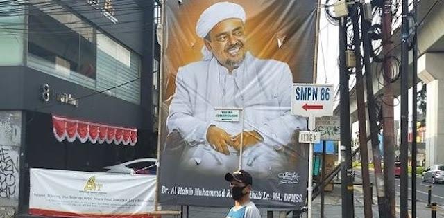 PA 212: Sebaran Baliho Habib Rizieq Bentuk Perlawanan Pada Neo PKI