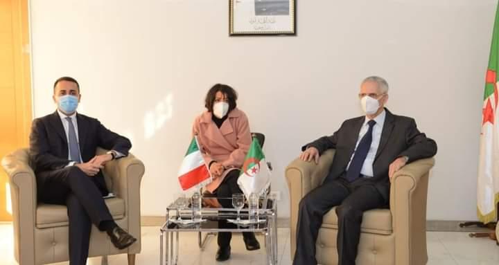 بحث التعاون المشترك بين وزيري الصناعه بالجزائر ووزير الخارجية الايطالي