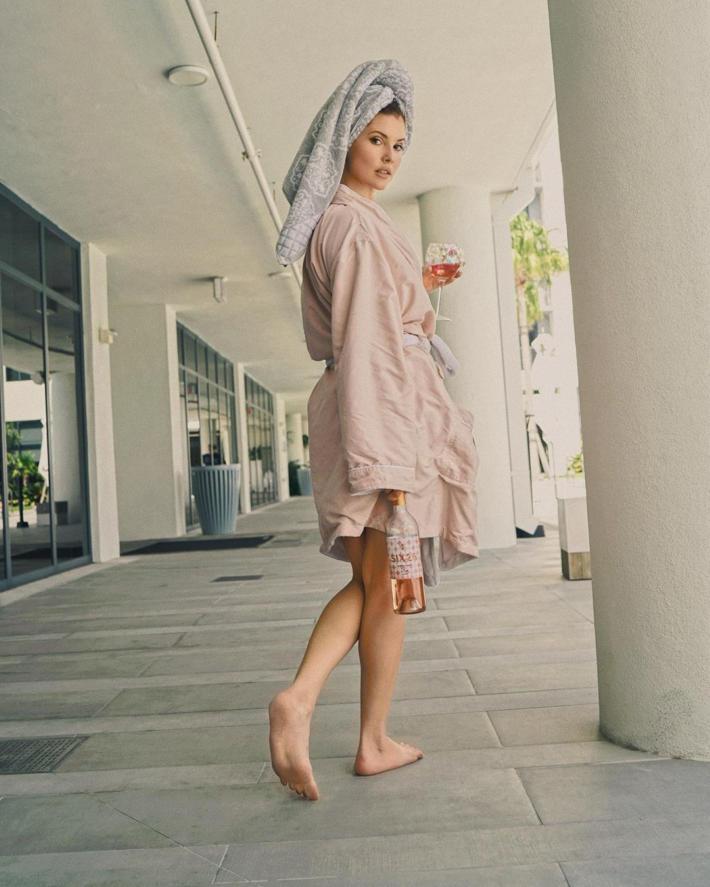 Amanda Cerny Hot & Breathtaking Photo Gallery