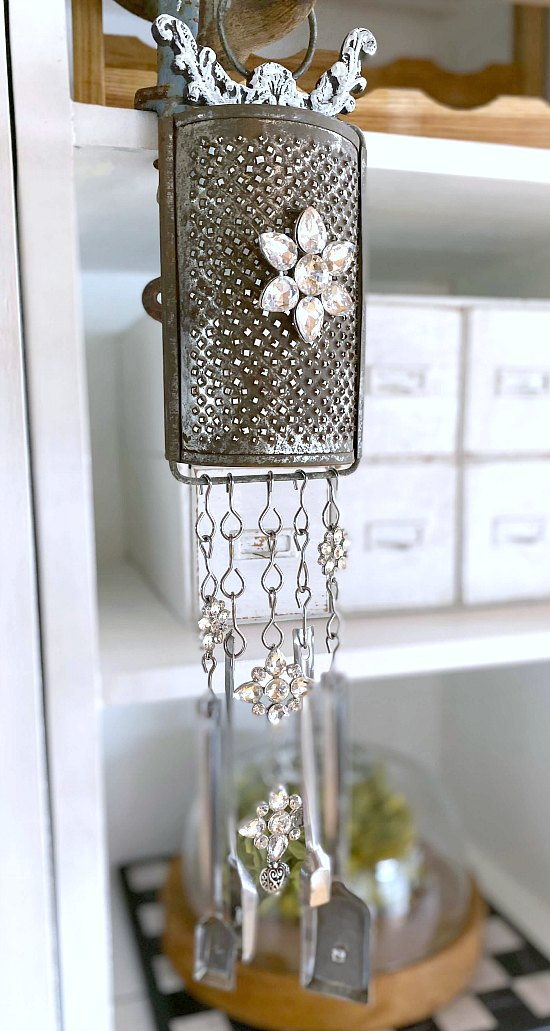 How to Make Vintage measuring spoon wind chimes with broken jewelry