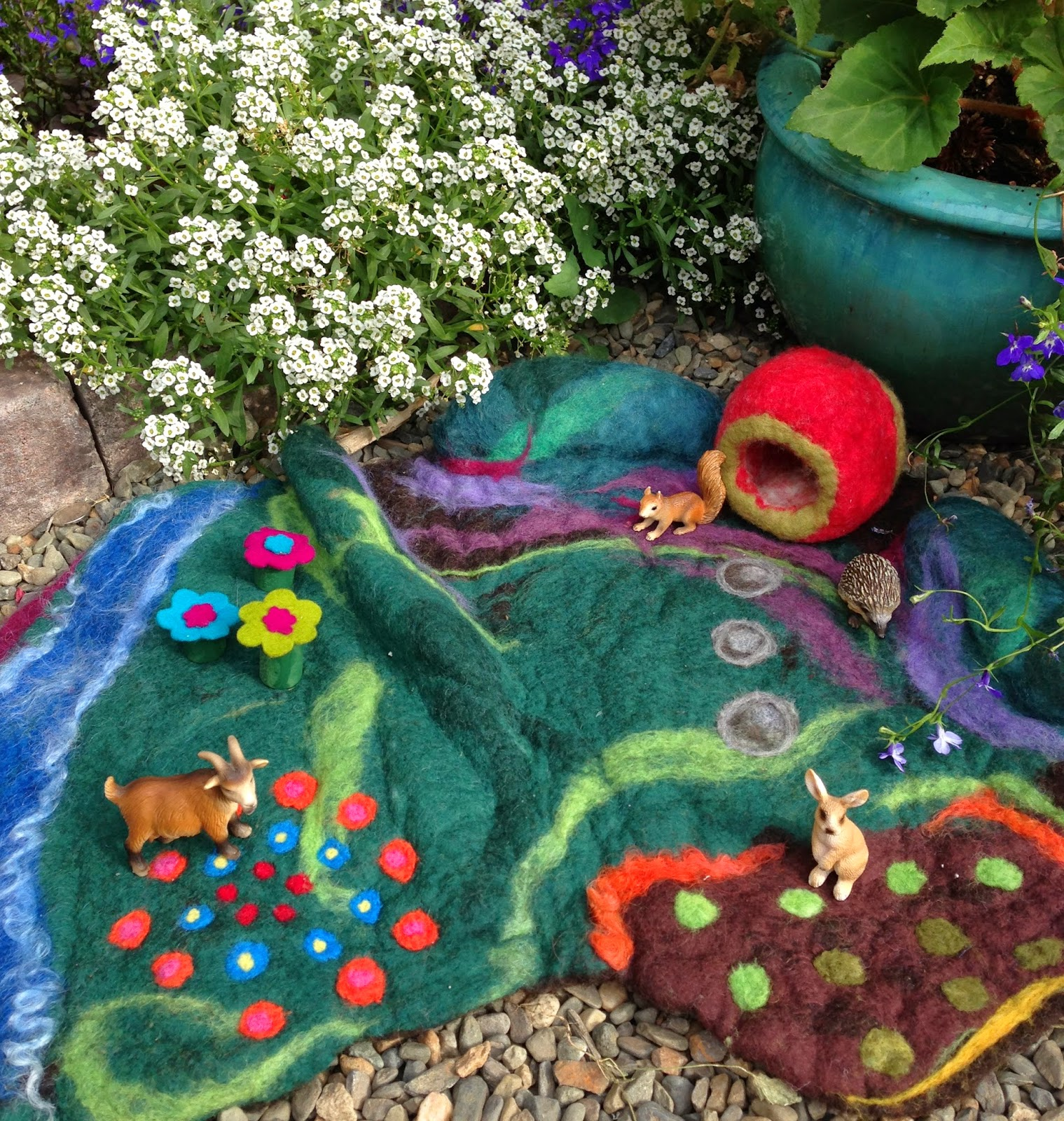 A Wet-Felted Play Mat - A Country Scene