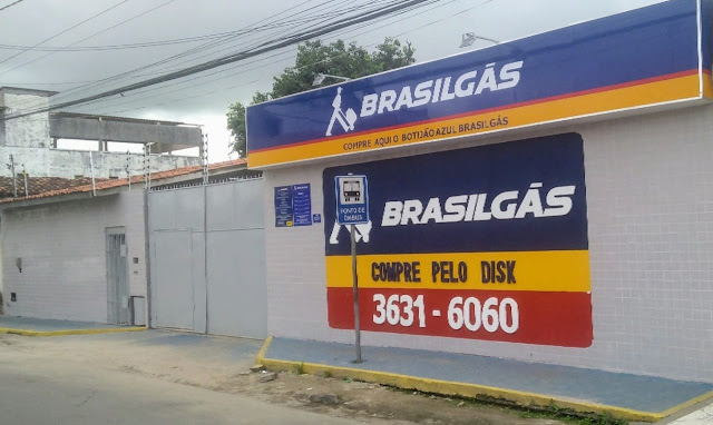 Promoção na distribuidora tham gás na rua Castro Alves em Santo Antônio de Jesus