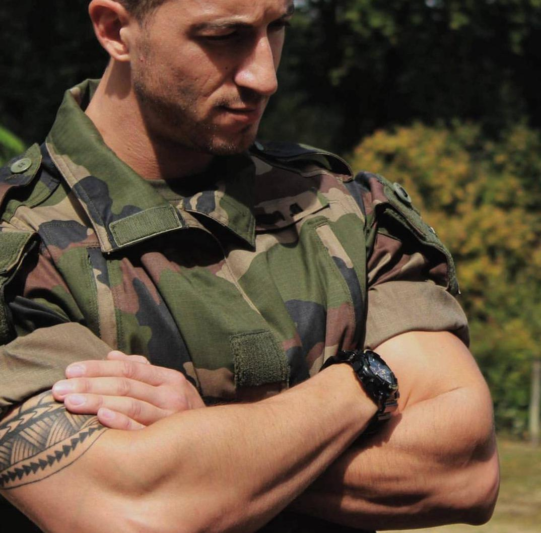 masculine-male-soldier-daddy-huge-arms-tattoo-in-military-uniform-watch