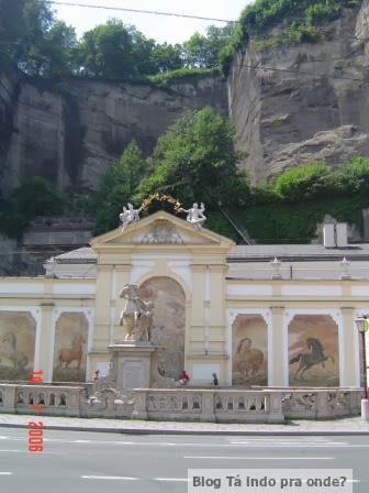 Karajanplatz em Salzburg