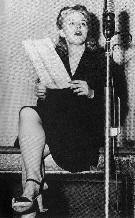 Peggy Lee, 15 August 1941 worldwartwo.filminspector.com