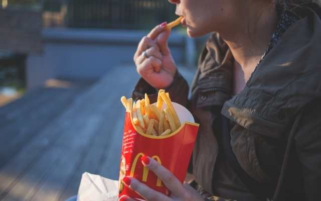 can you eat mcdonalds with braces?