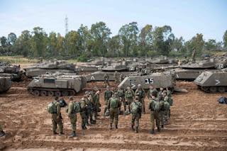 الجيش الاحتلال الإسرائيلي يواصل حشوداته العسكرية على حدود غزة
