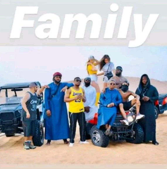 Wizkid and his crew spend time in the desert in Dubai (Photos)
