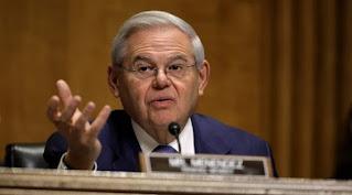 رئيس لجنة العلاقات الخارجية بمجلس الشيوخ الأمريكي بارز قلق من الانسحاب من أفغانستان