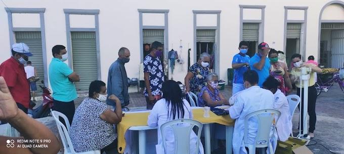 """Prefeitura de Cariré realizou no mercado central o mutirão """"A Saúde Mais Perto de Você"""""""