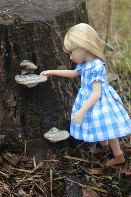 "Dollhouse Miniature Record Album 1/"" 1//12 scale Barbie  Wizard of Oz Judy Garland"